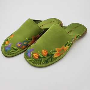 New York TransitGreen Floral Embroirdered Mules